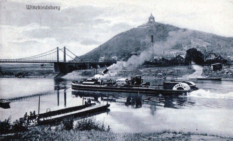 Wittekindsberg mit Kaiser-Wilhelm-Denkmal, Schiff Hamlen und im Vordergrund Sandsteinlager.
