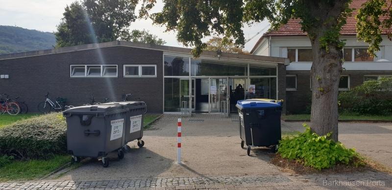 Die Aula der Grundschule ist Wahllokal