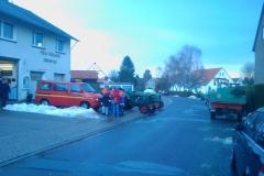 Morgentliches Treffen am Feuerwehrgerätehaus zur Tannenbaumsammlung