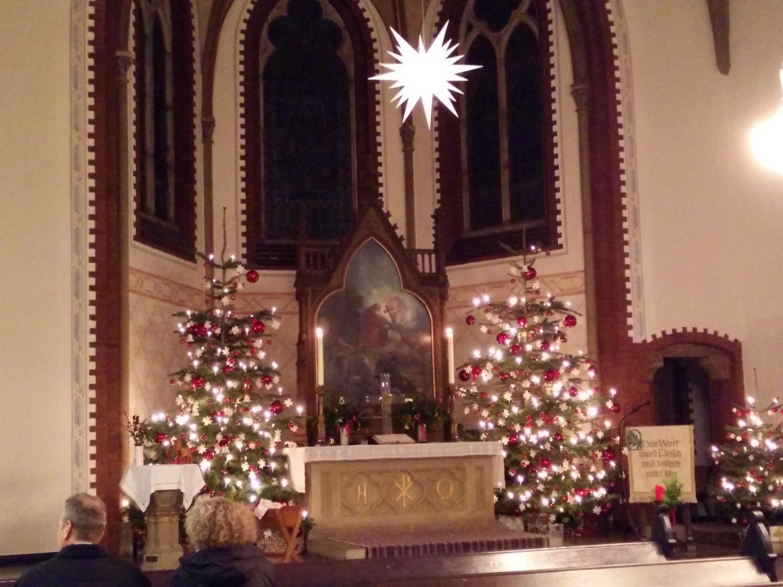 Altarraum zu Weihnachten