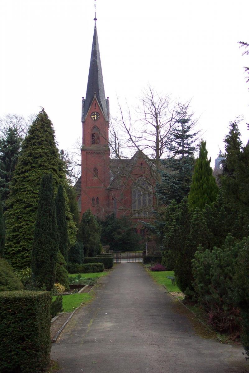 Kirche vom alten Friedhof