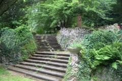 Treppen zwischen den Terassen