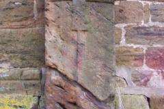 Sandstein Kreuz am Margarethen-Klus